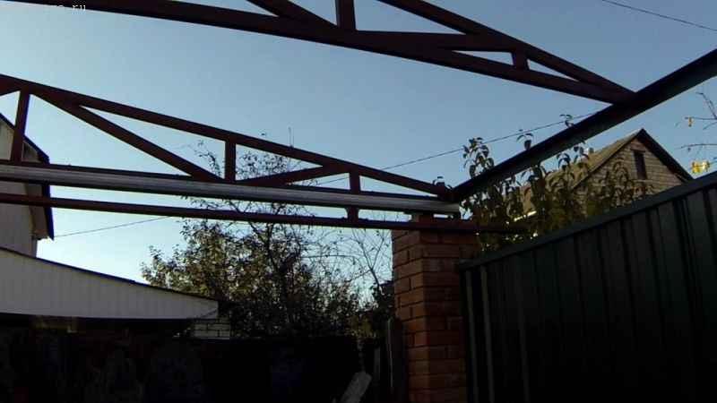 Монтаж ферм для откатных подвесных ворот