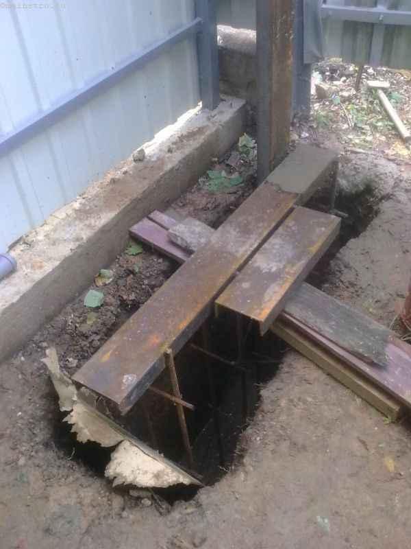 Монтаж фундамента под откатные ворота и ограждение из профнастила